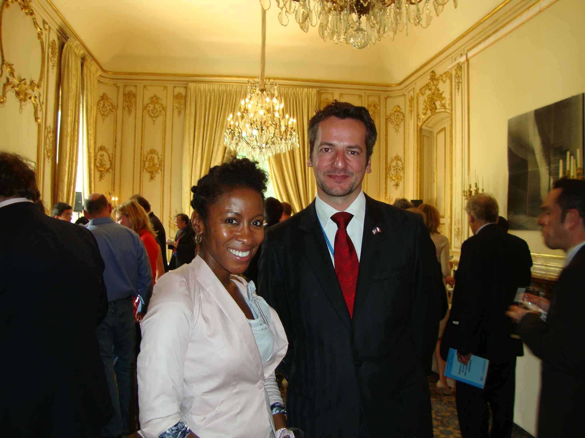 Lashonda McLeod et Laurent Journo du Bureau des affaires agricoles